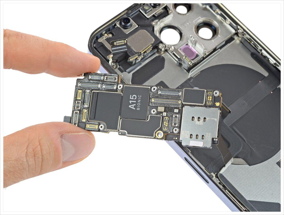 iFixit 拆解 iPhone 13 Pro